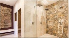 kőfalak a fürdőszobában - Luxuslakás 7 House 2, Maine House, Altea, Moraira, Bedroom With Ensuite, Kitchen Fixtures, High Quality Furniture, Next Door, Luxury Villa