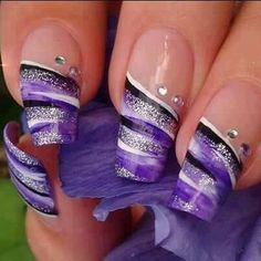 20 Nail Designs. I still have my little pink phone like this from years ago! How funny! love it!