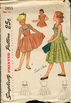 Simplicity 2855 Vintage 1940 Girls Sundress Pattern by Fragolina Sewing Patterns Girls, Vintage Dress Patterns, Simplicity Sewing Patterns, Clothing Patterns, Vintage Dresses, Vintage Outfits, Vintage Clothing, Vintage Items, Fashion Patterns