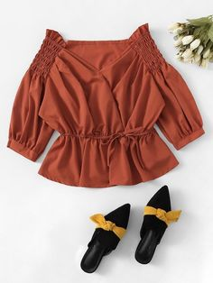 Shop Solid Knot Front Blouse at ROMWE, discover more fashion styles online. Cute Fall Outfits, Simple Outfits, Pretty Outfits, Fancy Wedding Dresses, Le Polo, Crop Top Outfits, Trendy Tops, Classy Dress, Blouse Designs