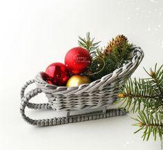 Купить Саночки с подарками игрушечные. Миниатюра - саночки плетеные, миниатюра, игрушечные сани, санки для подарков