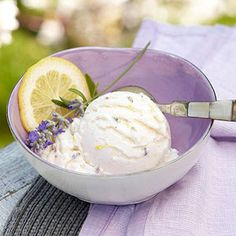 With less than 100 calories per serving, this diabetic-friendly frozen yogurt combines lemon and lavender. It's a deliciously refreshing dessert to have on hand in your freezer. Refreshing Desserts, Delicious Desserts, Dessert Recipes, Frozen Yogurt Recipes, Frozen Desserts, Frozen Treats, Frozen Yoghurt, Lemon Desserts, Diabetic Friendly Desserts