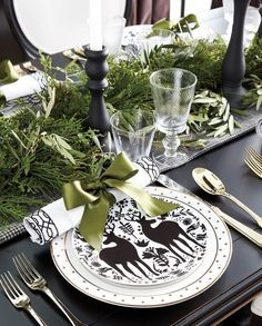 I've rounded up __ simple and modern Christmas table setting ideas to help you easily create a stunning table for your holiday meal! Christmas Table Settings, Christmas Tablescapes, Christmas Table Decorations, Holiday Tables, Holiday Parties, Holiday Dinner, Christmas Chandelier Decor, Christmas Candles, Tree Decorations