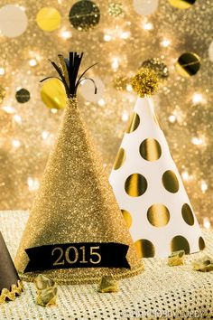 Celebrate the new year with glittering gold and a stylish party!