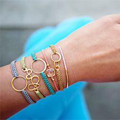 awesome diy macrame bracelets! http://honestlywtf.com/diy/diy-macrame-bracelet/