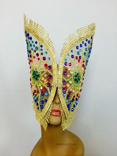 This headdress made to order. Waiting time is 7 days plus shipping.  It is very light and will fit any head size comfortably! Adjustable tie on