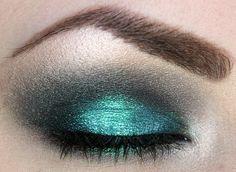 Nails Glitter Teal Eye Makeup 51 Ideas For 2019 Teal Eye Makeup, Teal Eyeshadow, Makeup For Green Eyes, Prom Makeup, Love Makeup, Beauty Makeup, Makeup Looks, Hair Makeup, Beauty Tips
