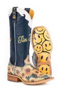 Look at this Tin Haul Yellow Sunflower Low-Top Leather Cowboy Boot on today! Botas Western, Western Boots, Cowboy Boots, Women's Boots, Country Boots, Cowgirl Tuff, Western Wear, Tin Haul Boots Womens, Womens Cowgirl Boots