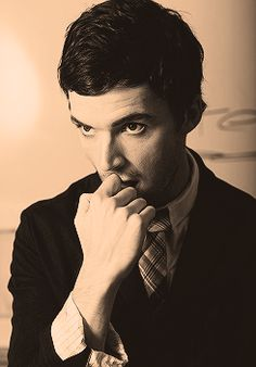 The reason I watch pll every week ;)