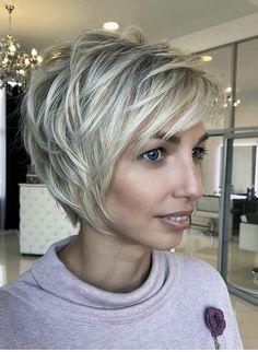Short Blonde Haircuts, Cute Hairstyles For Short Hair, Trendy Hairstyles, Bob Hairstyles, Short Hair Styles, Hairdos, Chic Haircut, Layered Haircuts For Women, Hair Designs