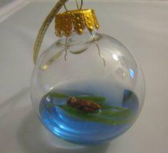 sea-otter--christmas-ornament
