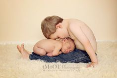 Newborn / Sibling Photography - Big & Little
