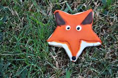 FOX COOKIE:: made from a star shaped cookie cutter