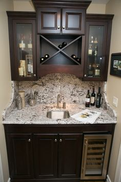 I have closet perfect for this! The beauty of a wet bar…tucked in an unused ha… - Bar Ideen Wet Bar Basement, Basement Bar Designs, Basement Ideas, Basement Finishing, Home Wet Bar, Bars For Home, Closet Bar, Br House, Bar Cart Decor