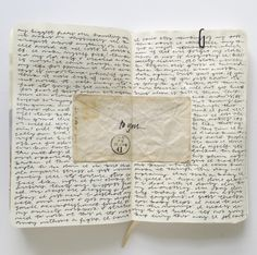 Art journaling tips, tricks, and inspiration. Bullet Journal Ideas Pages, Bullet Journal Inspiration, Journal Pages, Aesthetic Writing, Journal Aesthetic, Journal Quotes, My Journal, Dream Journal, Kunstjournal Inspiration