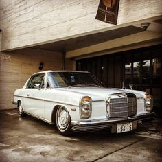 Mercedes Benz W114 250c coupe in Japan.  Beautiful car