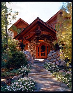 Logs plus whimsy? Man, take a stroll through this place. Wooden eye-candy everywhere.