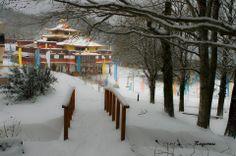 Snowy Lerab Ling