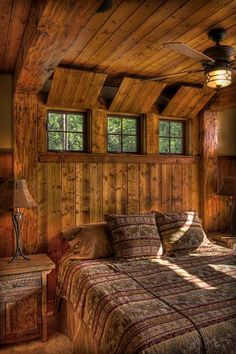 n this article, we will talk about excellent log cabin interior design you can apply into your cabin. Furnishing a log Cabin Interior Ideas. Modern Cabin Interior, Cabin Interior Design, House Design, Interior Ideas, Interior Decorating, Log Cabin Bedrooms, Log Cabin Homes, Log Cabins, Log Cabin Interiors