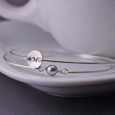 Bracelet à breloques initiale et Bracelet de perles mis, personnalisé en argent Sterling, Bracelet jonc, Bracelet personnalisé, Bracelet jon...