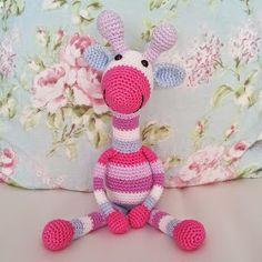 Een tijdje terug haakte ik deze lieve giraffe. Het patroon heb ik HIER gevonden. Even een stukje naar beneden scrollen en dan vind...