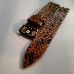 Phyton leather strap watch size 20 mm,  Www.jualtaskulit. com +628564271776  #casio #gshock #exotic #arloji #arlojiantik #arlojimewah #jampria #jameiger #jam #jamtangan #jambranded #jamwanita #jamwaterresist #leatherstrap #strap #strapwatch #whiteblue