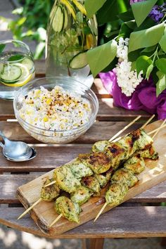 Csirkenyárs mentás-citromos pácban recept Grilling, Favorite Recipes, Vegetables, Food, Mint, Apartment Living Rooms, Crickets, Essen, Vegetable Recipes