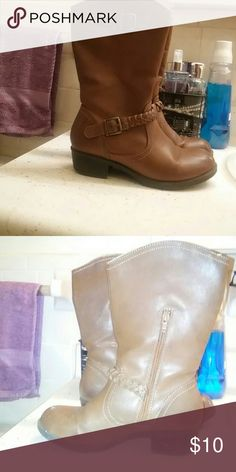 Maurices Cowgirl Boots Worn for a while. In great condition. Just got too small for my feet. My loss is your gain with these Maurices Shoes Heeled Boots