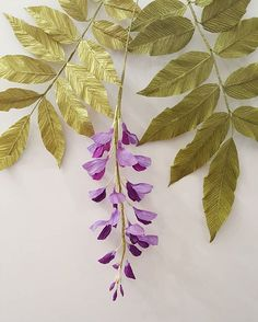 Paper wisteria flowers and paper leaves by Dolan Paper Flower Art, How To Make Paper Flowers, Paper Flowers Craft, Paper Flower Tutorial, Felt Flowers, Flower Crafts, Diy Flowers, Fabric Flowers, Paper Art
