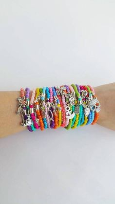 Check out this item in my Etsy shop https://www.etsy.com/pt/listing/191653749/wholesale-bracelets-boho-chic-colourful