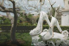 ¡Ideas para una boda de ensueño en primavera! #matrimoniocompe #matrimonioenprimavera #boda #matrimonio #bodaprimavera #ideasdeboda #ideasmatrimonio #ideasprimavera Heels, Fashion, Catholic Wedding, Boyfriends, Greenery, Receptions, Spring, Flowers, Moda