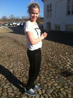 Louise Maria Noes: Sporty Glimmer! Bynja Tee (udsolgt) med Berlin sequins pant 450 kr. (kun få tilbage) Køb det her: http://www.blackswanfashion.dk/alle.aspx