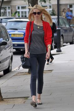 This is 'school run' style down to a tee...Alexa and ballet flats...