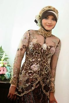 Having a Muslim Wedding? As many other brides, I'm sure you are looking for that perfect Muslim Wedding Gown. Well, there are certain things you need to know about Muslim wedding dresses. Muslim Wedding Gown, Arabic Wedding Dresses, Wedding Dresses 2014, Dresses 2013, Wedding Gowns, Beautiful Hijab, Beautiful Outfits, Beautiful Ladies, Bridal Looks
