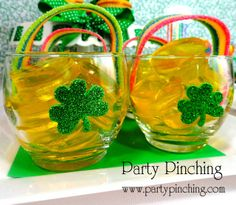 Pot o' gold jello with rainbows at a St. Patrick's Day Party #stpatricksday #partyjello