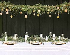 Put NZ spin on this.Build House Home: australian inspired christmas christmas eucalyptus canopy Aussie Christmas, Australian Christmas, Summer Christmas, Diy Christmas, Christmas Table Settings, Christmas Tablescapes, Christmas Table Decorations, Homemade Decorations, Holiday Decor
