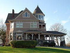 Mayor Fredrick Townsend's home (1892), Sycamore, Illinois