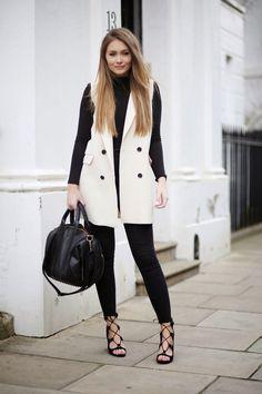 Sleeveless Fashion Trend: Sarah Ashcroft is wearing a white sleeveless Mac bershka jacket Blazer Outfits, Fall Outfits, Casual Outfits, Fashion Outfits, Fashion Trends, Fashion Bloggers, Sleeveless Blazer Outfit, Sleeveless Jacket, Ärmelloser Mantel
