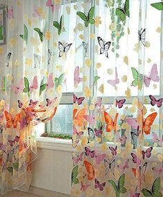 Yaşayan mekanlar yaratmak için, perdelerinizde hayvan figürleri ve çiçek desenlerine evinizde bolca yer açın.