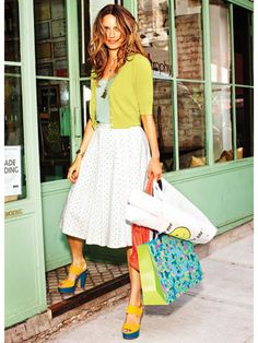 Love the colors of this outfit, just would want the skirt a little shorter.