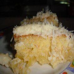 Bolo gelado de abacaxi, uma receita deliciosa e prática de fazer, se você gosta de fazer sobremesas nos potinhos para vender, não pode perder essa receita,