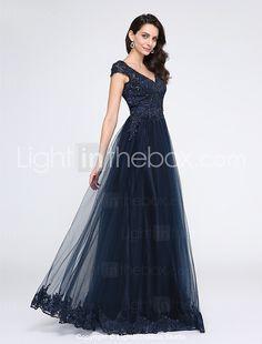 2017 ts couture® vestido de baile de uma linha v-pescoço até o chão tule formal com apliques / beading de 2017 por $222.39