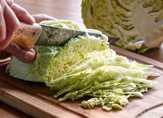 Chicken And Cabbage, Roasted Cabbage, Cabbage Soup, Vegetable Curry, Vegetable Recipes, Vegetable Dishes, Frozen Fried Chicken, Easy Cabbage Recipes, Pork Ragu
