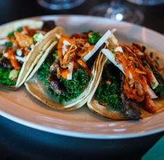 Coma uma porção de vegetais verdes três vezes por dia.   23 dicas viáveis para perder peso sem ficar passando fome