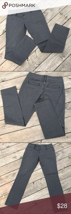 Old Navy Pinstripe Pants! Size 4 Old Navy Pinstripe Pants! Old Navy Pants Trousers
