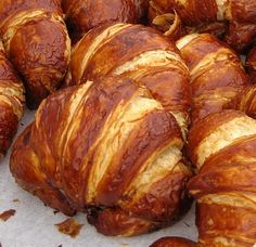 Pretzel croissant >> A fantastic combination, would be awesome with some home made nutella!