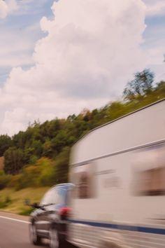 1 gennaio 2021: entra in vigore la legge 100 km/h per rimorchi.
