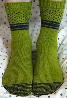 Form + Function Socks pattern by Stefanie Goodwin-Ritter – Knitting patterns, knitting designs, knitting for beginners. Easy Knitting Projects, Knitting Designs, Knitting Socks, Hand Knitting, Knit Socks, Knitting Patterns, Crochet Patterns, Moda Emo, Sock Yarn