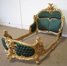 605: A11-33 ROCOCO REVIVAL CARVED 24K GOLD LEAF BED : Lot 605