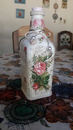 1 million+ Stunning Free Images to Use Anywhere Recycled Glass Bottles, Glass Bottle Crafts, Wine Bottle Art, Painted Wine Bottles, Diy Bottle, Vintage Bottles, Bottles And Jars, Decoupage Glass, Decoupage Art